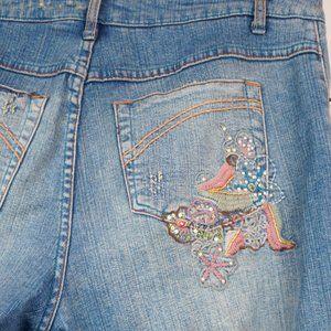 Venezia Jeans - Venezia Jeans Light Wash Embroidered Distressed